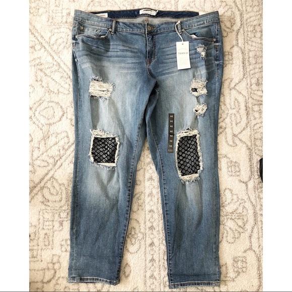 9fb60cd8ac0 New Torrid fishnet distressed boyfriend jeans 24